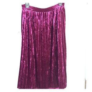 Velvet-like skirt